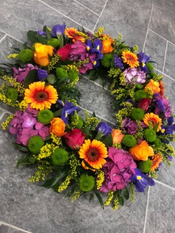 Bright Loose Wreath