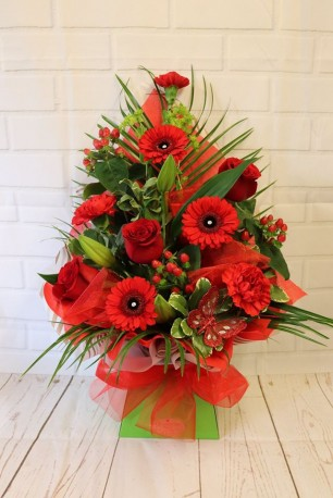 Simply Red Frontal Arrangement
